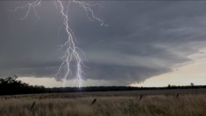 Extreme Lightning - Storm Tours Intercept